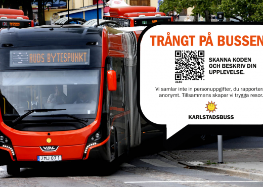 A bus in traffic, with a picture of the QR code and message to the travelers pasted in. Photo: Karlstadsbuss.